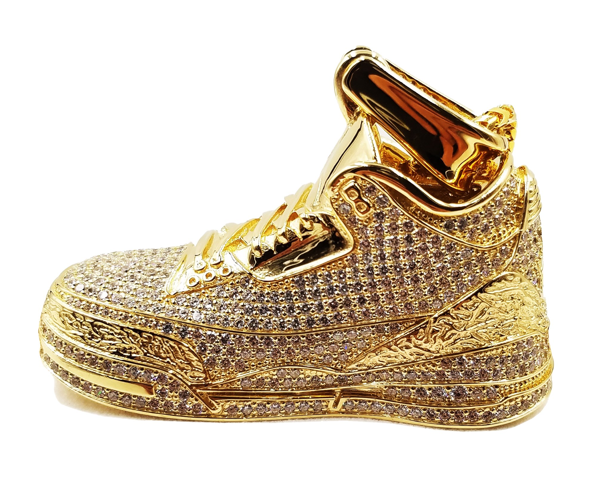 Gold 360 Retro Hi-Top Pendant